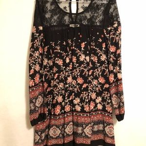 Black Floral short dress with lace By Soieblu